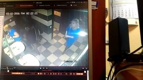 У мережі розшукують дівчину, яка вкрала Iphone 6 із  черкаського нічного клубу