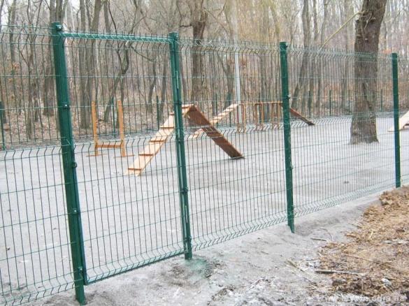 У Черкасах презентують проект майданчиків для вигулу собак (ФОТО)