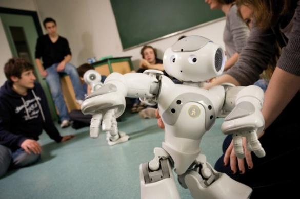 У черкаській гімназії з'явився робот