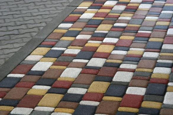 Плитка на тротуарах: Бондаренко проанонсував про повномасштабний капітальний ремонт вулиць