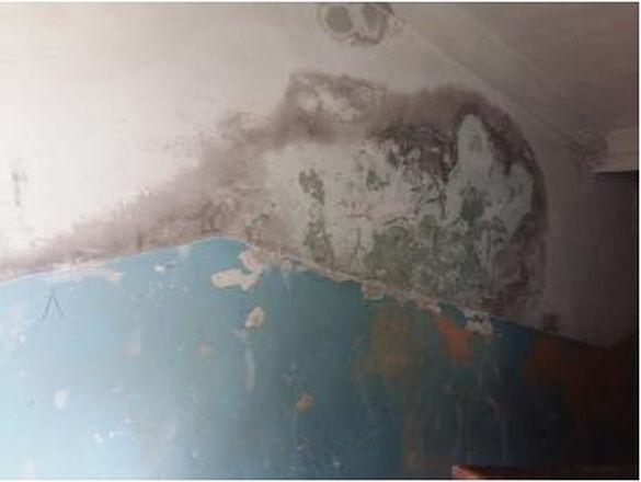 На Черкащині мешканці гуртожитку живуть у жахливих умовах (фотофакт)