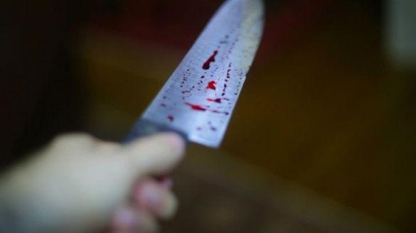 Черкаські правоохоронці затримали жінку, яка намагалася зарізати співмешканця