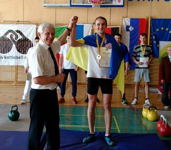 Черкащанин став кращим у Європі з гирьового спорту (ФОТО)