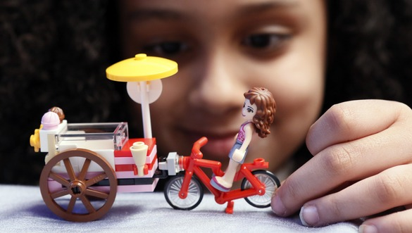Черкаська область стала одною з найперших, яка отримає набори LEGO для першокласників