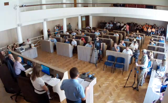 Сесія Черкаської міської ради проходить без трьох фракцій