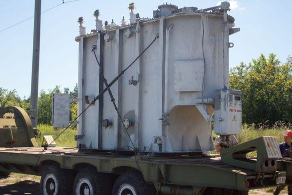 Майже 30-ти тонний трансформатор перевозитимуть із Черкас до Канева (ФОТО)