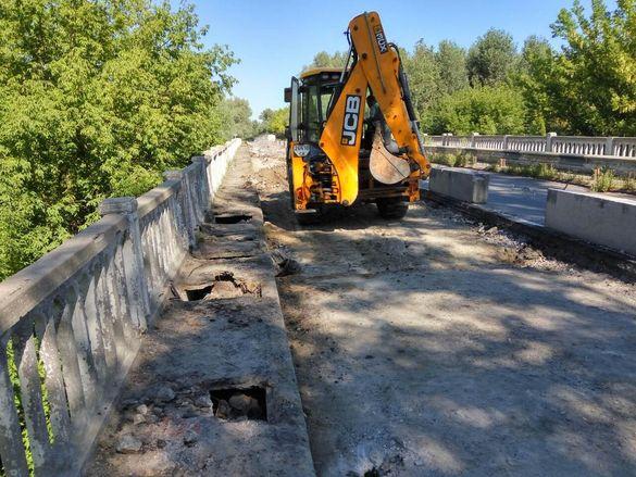Міст через річку Рось, якому майже 50 років, почали ремонтувати (ФОТО)
