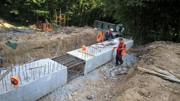 На Черкащині продовжують ремонтувати ділянку дороги, яка входить до