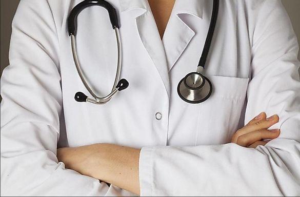 Лікарку з Черкащини оштрафували  за шахрайство і хабар