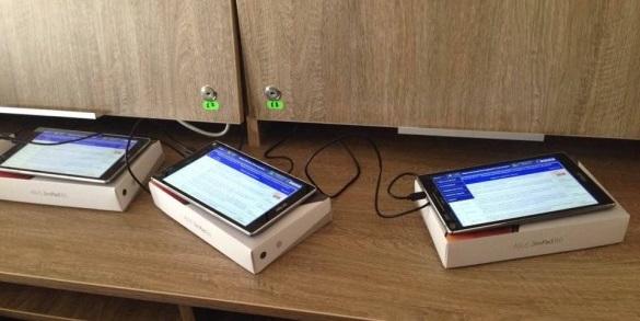 Відстороненим депутатам у Черкасах не видали планшети