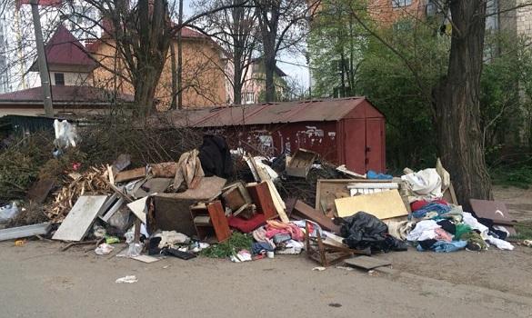 Місія нездійсненна? Бондаренко доручив за тиждень очистити Черкаси від всього великогабаритного сміття