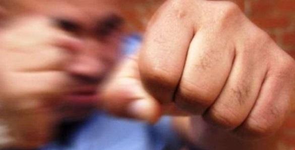 На Черкащині троє чоловіків жорстоко побили родину (ВІДЕО)