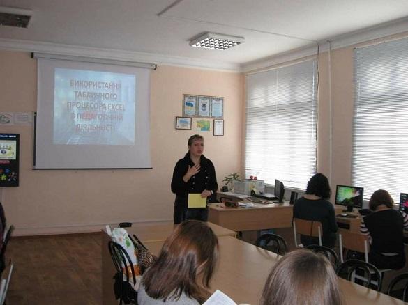 В одній із шкіл на Черкащині заборонили користуватися смартфонами