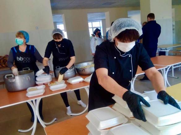 У Черкасах шукають волонтерів для розвезення гарячих обідів малозабезпеченим