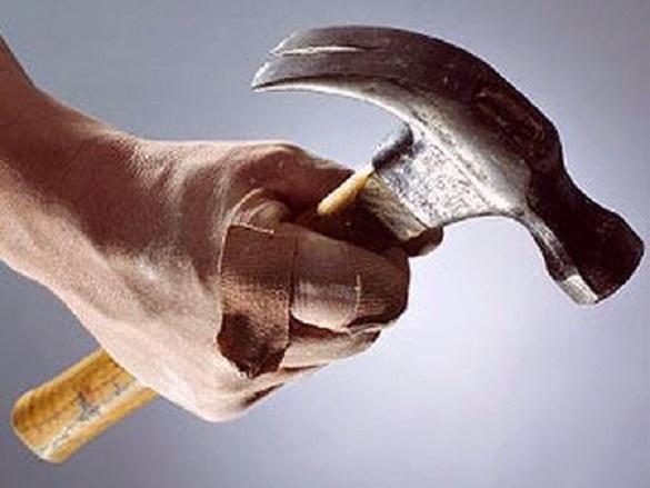 Черкащанин забив матір п`ятьох дітей молотком до смерті (ВІДЕО)