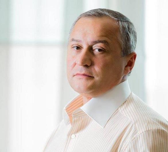 Вбивство журналіста Сергієнка: суд відмовився арештувати знайдені при обшуці мільйони колишнього нардепа