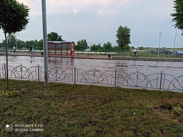 У Черкасах затопило мікрорайон Митниця (ВІДЕО)