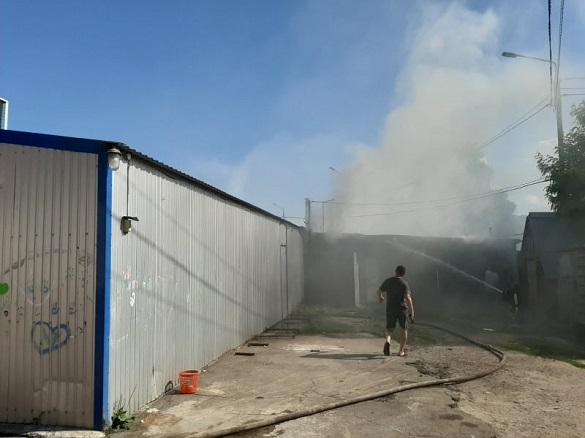 Міський ринок загорівся на Черкащині (ФОТО)