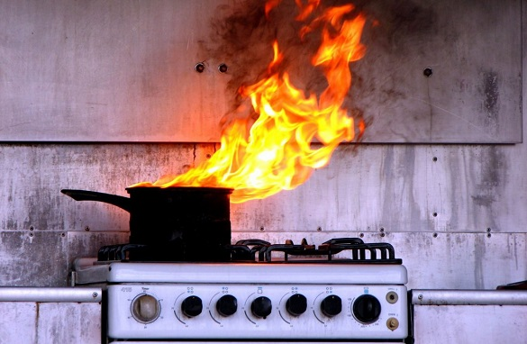 Як вберегти будинок від вибуху? 5 небезпек, які несуть газові плити та колонки