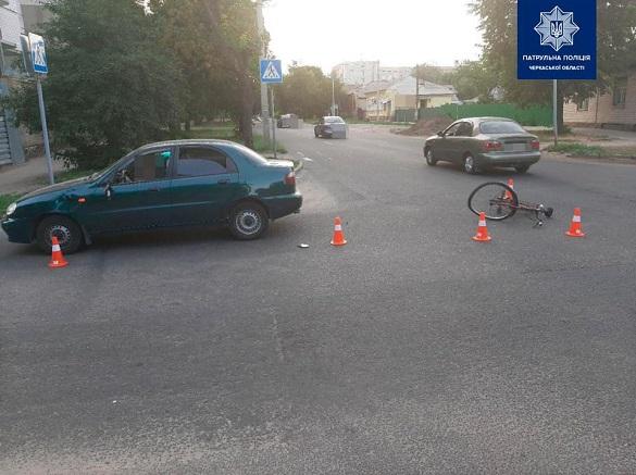 Автомобіль у Черкасах збив велосипедиста (ФОТО)