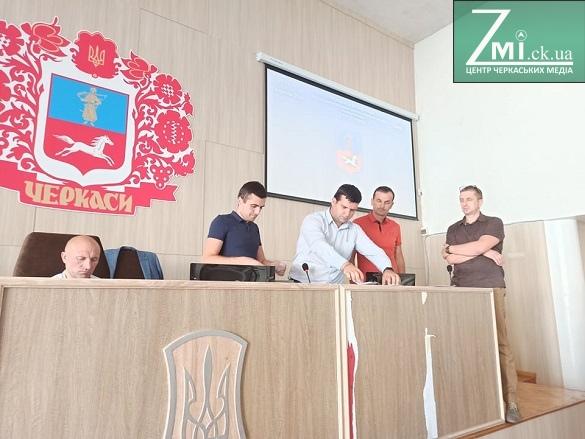 Депутати Черкаської міськради знову не відпустили Нищика