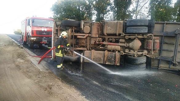На Черкащині перекинулася вантажівка (ФОТО)