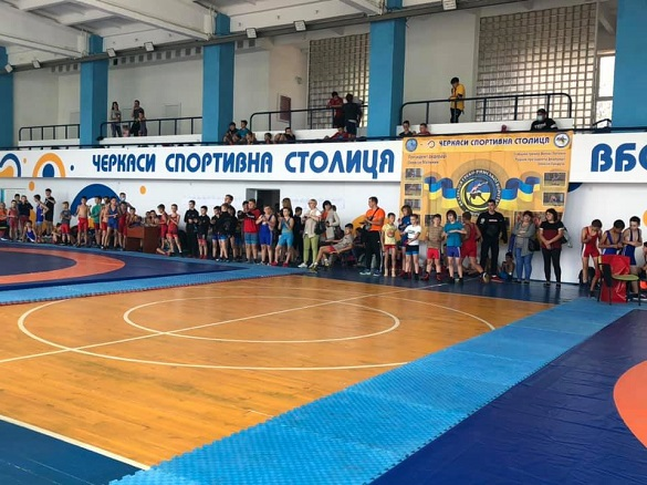 У Черкасах стартував чемпіонат з греко-римської боротьби (ФОТО)