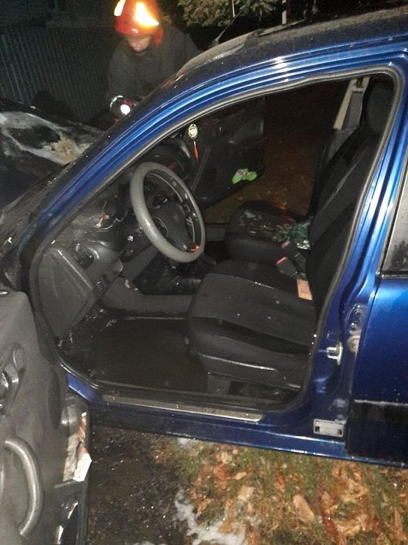 Уночі в Черкасах загорівся автомобіль (ФОТО)