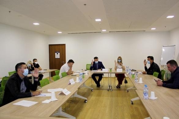 """Віртуальна конференція: списки """"Слуг народу"""" до рад Черкащини затверджували… 6 делегатів у столиці"""