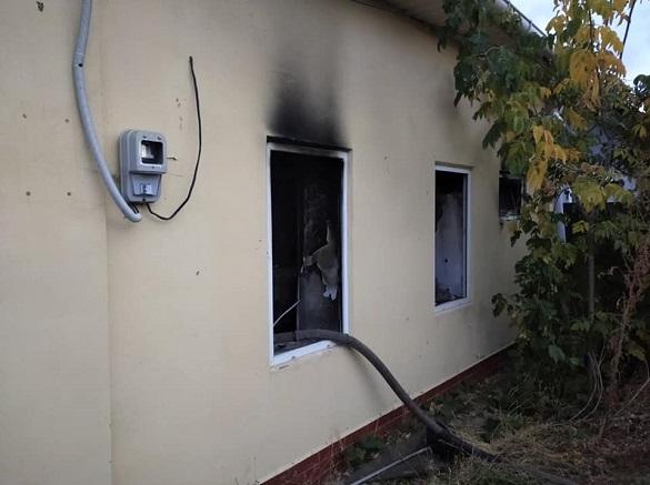 Через необережність під час куріння в Черкаській області ледь не згорів будинок (ФОТО)