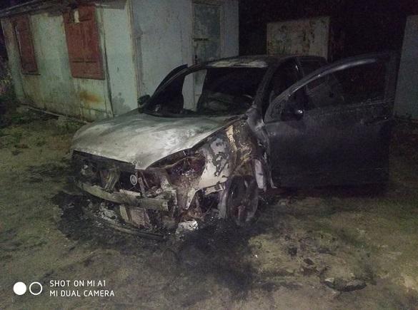 У Черкасах загорілося авто (ФОТО)
