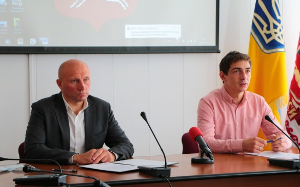 Мер Черкас підписав декларацію підтримки Кодексу етичної поведінки під час місцевих виборів