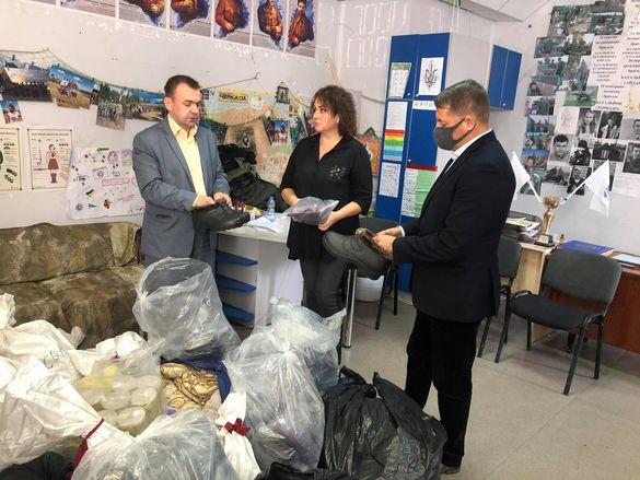 """У Черкасах представники """"ЄС"""" зібрали допомогу постраждалим від пожежі у Луганській області"""