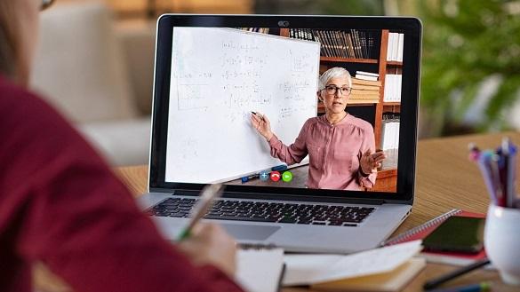 Кабмін виділив кошти на онлайн-курси для школярів