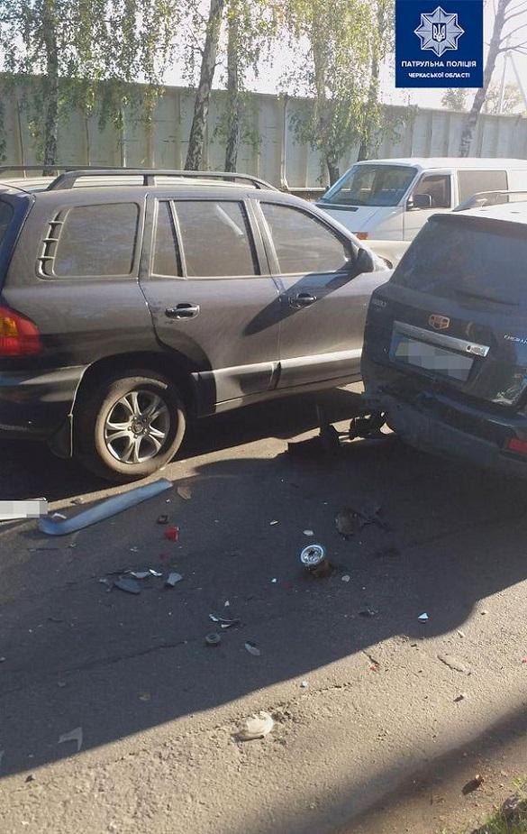 У Черкасах сталася аварія за участі чотирьох автомобілів