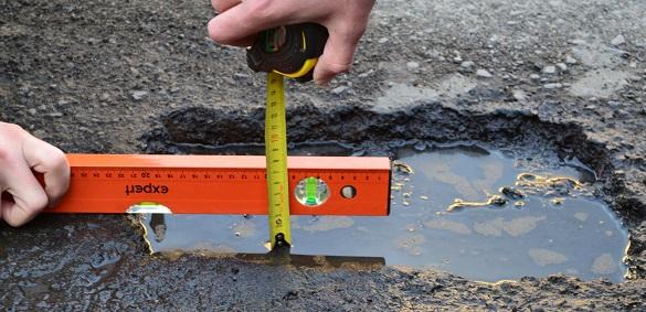 У Черкасах два мільйони гривень із нанесення розміток перекинуть на ямковий ремонт доріг