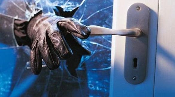 Невідомі в масках пограбували магазин дорогої техніки в центрі Черкас (ВІДЕО)