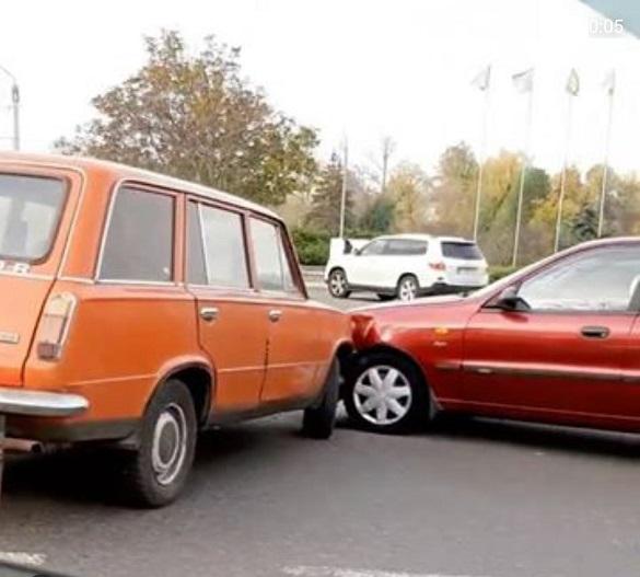 Не пропустив: у Черкасах біля Долини Троянд сталася аварія (ФОТО)