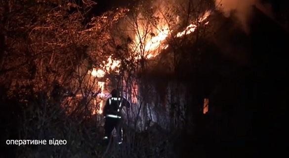 Через недопалок безхатька на Черкащині загорівся будинок (ВІДЕО)