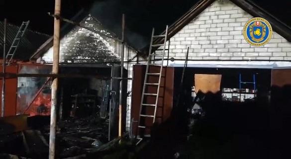 Унаслідок пожежі гаража на Черкащині пошкодження отримав і автомобіль