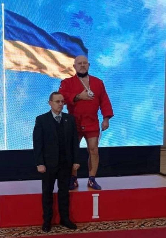 Черкаський спортсмен підкорює світ на чемпіонаті з самбо (ФОТО)