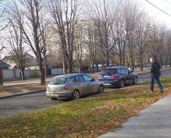 У Черкасах зафіксували підвезення виборців на дільниці