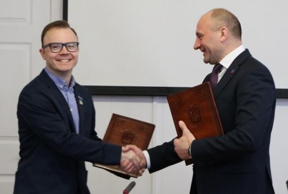 Результат екзит-полу Шустера: Бондаренко переміг Євпака на виборах мера Черкас