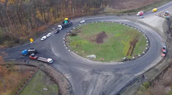 Біля Умані триває відновлення кільцевої транспортної розв'язки (ВІДЕО)