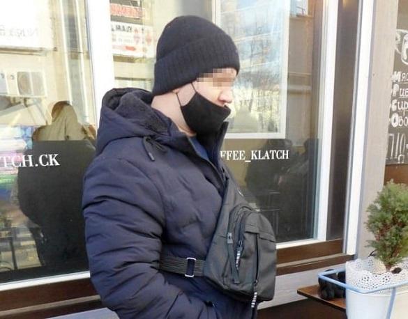 Чоловікові, який скоїв крадіжку мобільного телефону, оголосили підозру