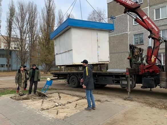 У Черкасах прибирають тимчасові споруди (ФОТО)