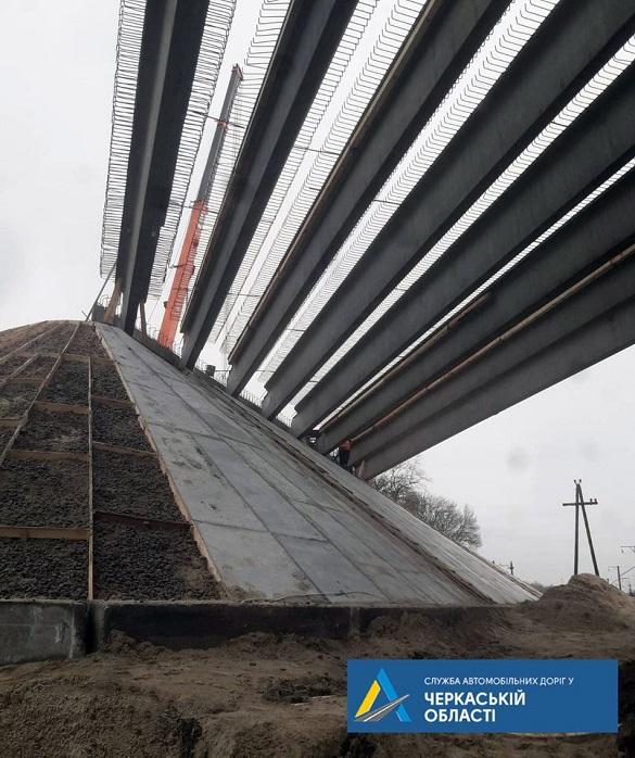 У Черкаській області продовжують реконструкцію шляхопроводу (ФОТО)