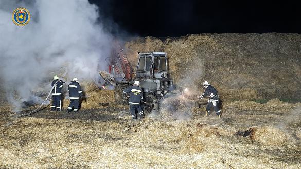 Імовірно підпал: на Черкащині горіла солома (ФОТО)