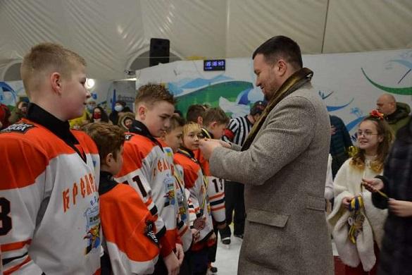 Кубок мера: у Черкасах нагородили переможців дитячого турніру з хокею (ФОТО)
