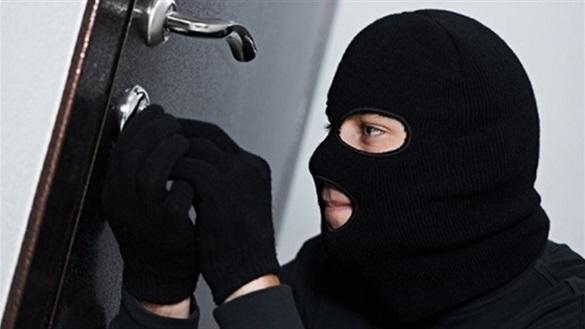 Сумчанам, які обкрадали помешкання черкащан, повідомили про підозру
